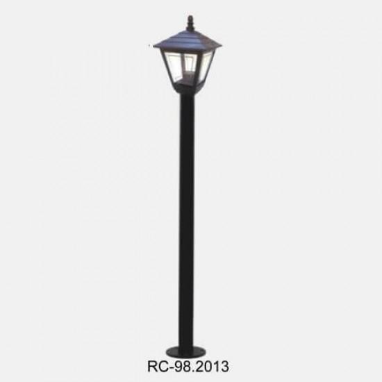 Classic Lawn Lighting Poles
