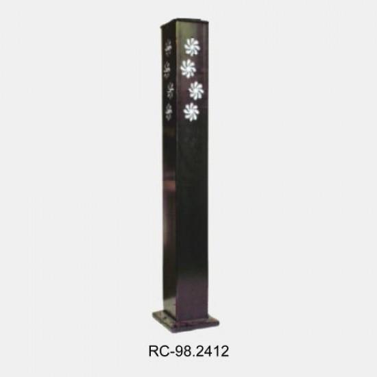 Bolard & Modern Lawn Lighting Poles